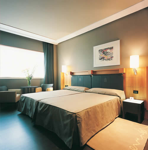 APARTAMENTOS GH LAKUA - Hotel cerca del Aeropuerto de Vitoria Foronda